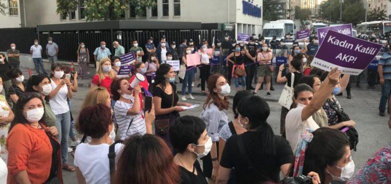 Başkentte İstanbul Sözleşmesi Eyleminde Polis Müdahalesi