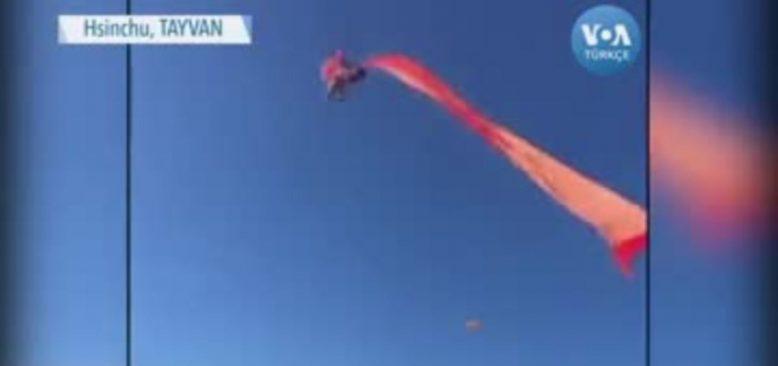 Uçurtmanın İpine Dolandı 10 Metre Havalandı