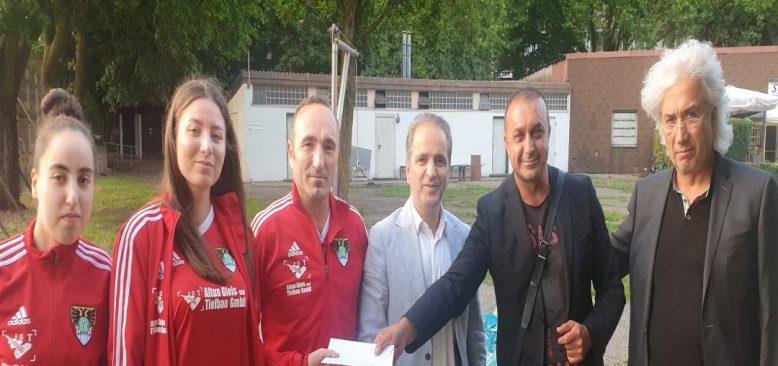 Sol Parti Bayan Futbolculara destek oldu