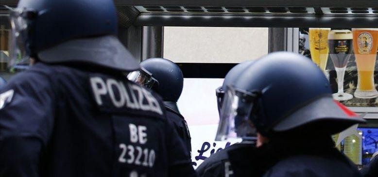 Münih Havalimanı'nda yaşlı kadının eşinin kemiklerini bagajında taşıdığı ortaya çıktı