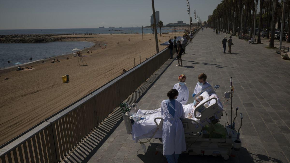 İspanya'da Corona Hastalarına Sahilde Temiz Hava Molası