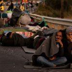 Midilli Adası'ndaki Kampta Yangın Sonrası Binlerce Mülteci Sokakta Kaldı