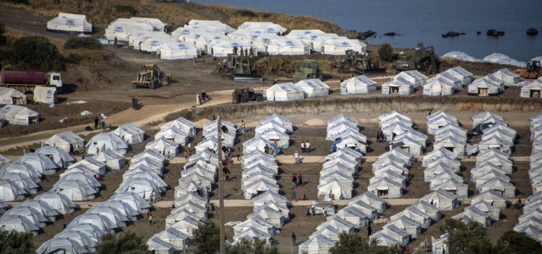 Moria Kampı Yangını Sonrası Mülteciler Yeni Çadır Kente Aktarılıyor