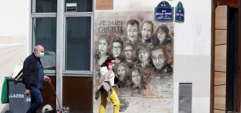 Charlie Hebdo'nun Eski Binası Yakınlarında Saldırı