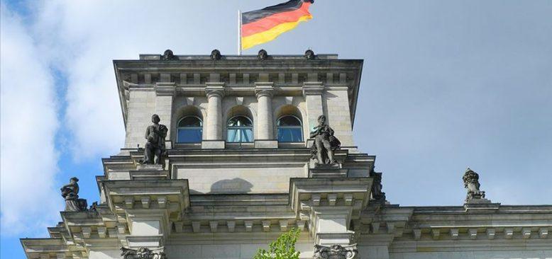 Almanya'da sanayi üretimi temmuzda artmaya devam etti