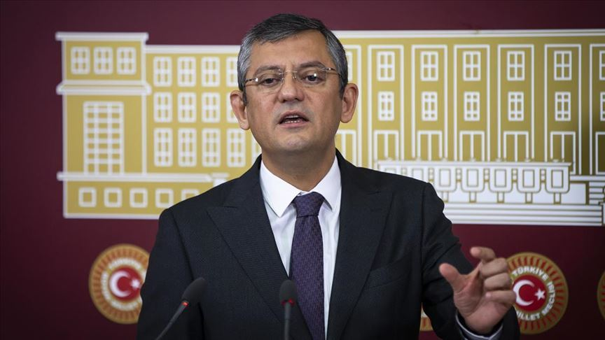 """Özgür Özel, """"Abdullah Gül'ün, CHP'nin cumhurbaşkanı adayı olması mümkün değildir."""""""