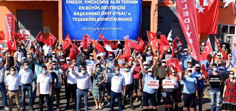 İşçilere günlük 3 TL koku ücreti, 250'şer lira 1 Mayıs ikramiyesi verilecek