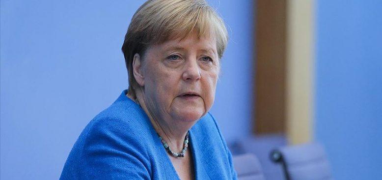 Merkel: Dağlık Karabağ'da çatışmalar durdurulsun