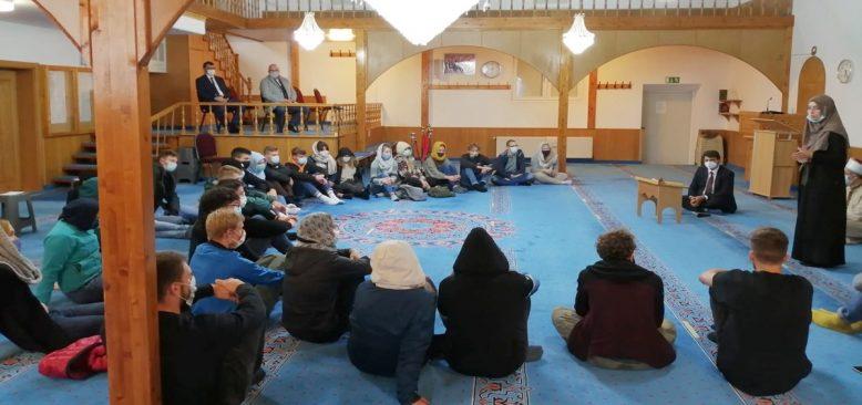 Hıristiyan öğrencilerden Bergneustadt Camisi'ne ziyaret