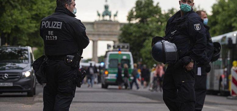 Almanya'da 'Güvenlik birimlerinde aşırı sağcılar' raporu açıklandı