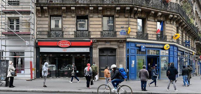 Fransa'da son 24 saatte 52 bin 10 kişide daha Kovid-19 tespit edildi