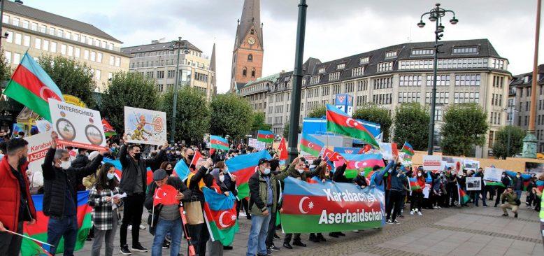 Hamburg'da Azerbaycan ile dayanışma mitingi