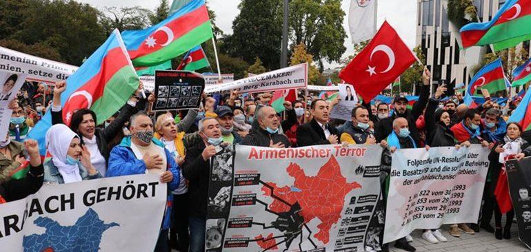 Düsseldorf'ta Ermenistan'ın Azerbaycan'a saldırısı kınandı