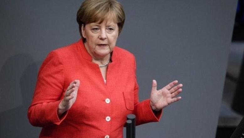 Merkel: Büyükşehirlerde tedbirler sıkılaştırılacak