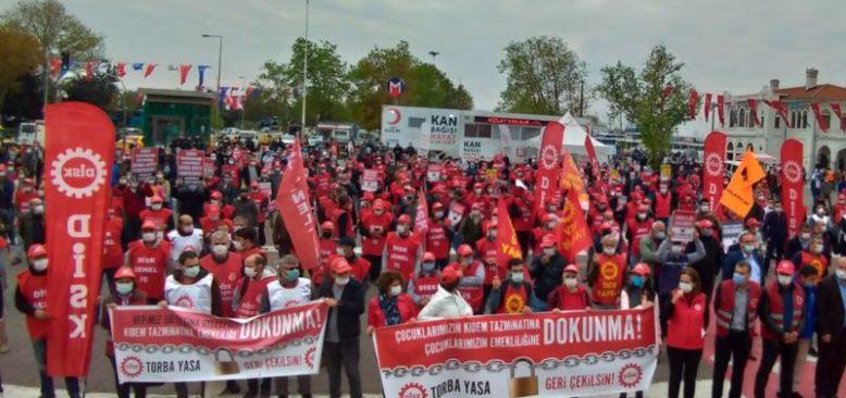 AKP Sendikaların İtirazına Rağmen Esnek Çalışmada Israr Ediyor