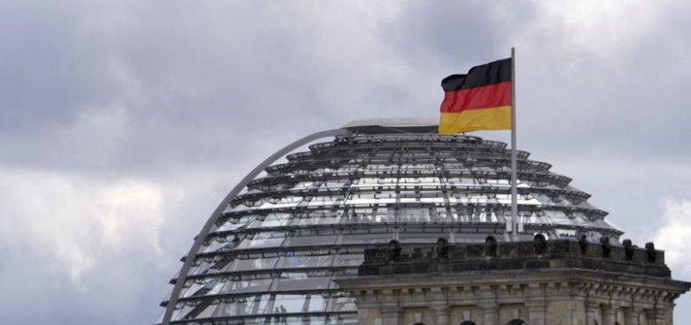 Almanya'da İşsizlik ve Aşı Tartışmaları