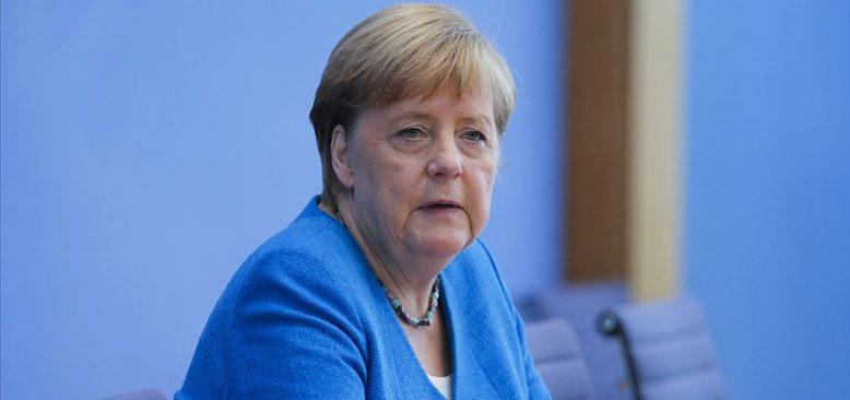 Merkel: Dünya ekonomisinde kalıcı bir kriz beklemiyorum