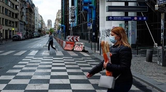 Fransa'da günlük vaka sayısı 20 binin altına indi