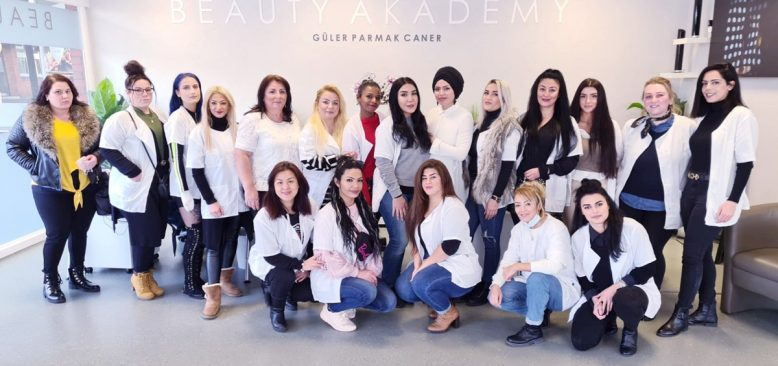 Beauty Akademy Meslek edindiriyor