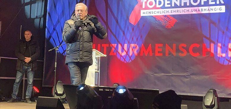 Merkel'in partisinden ayrılan eski milletvekili parti kurdu