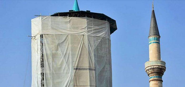 Mevlana Müzesi'nin turkuaz kubbesi '100 ton yük'ten kurtarıldı