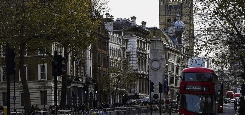 İngiliz perakende zinciri 3 bin 500 kişiyi işten çıkarıyor