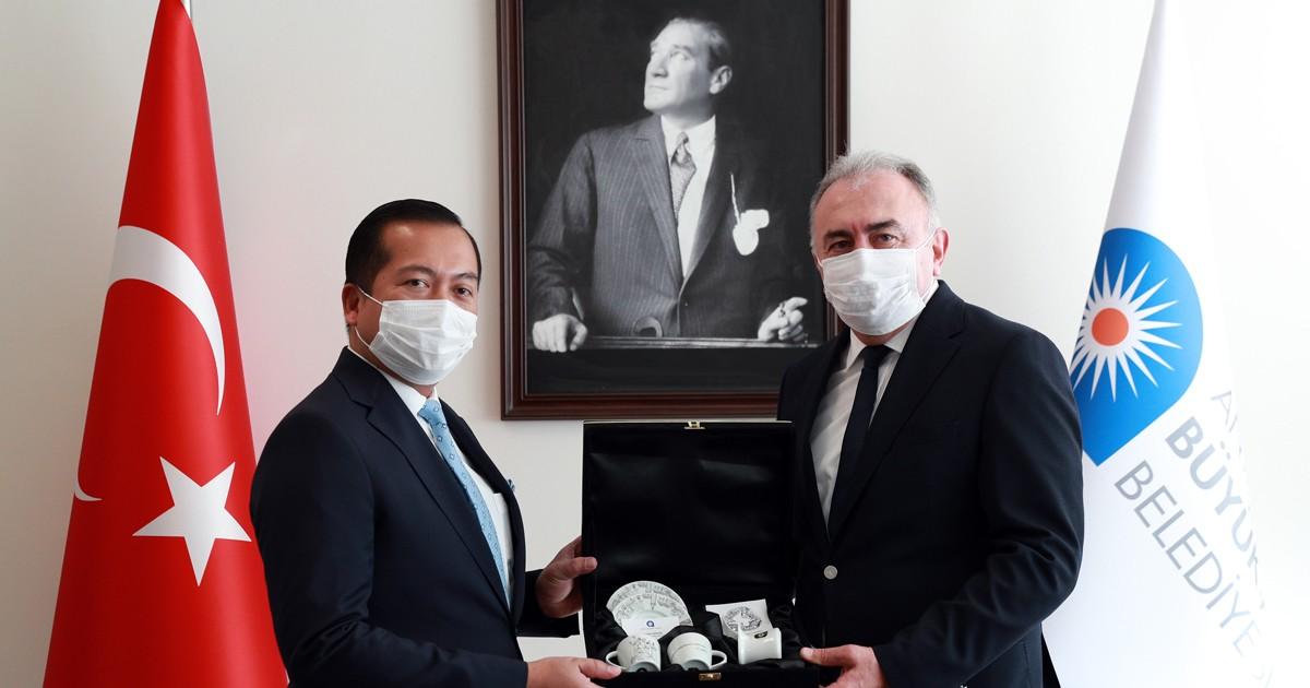 Antalyalı yatırımcıları Asya Pasifik'e yatırım için davet etti