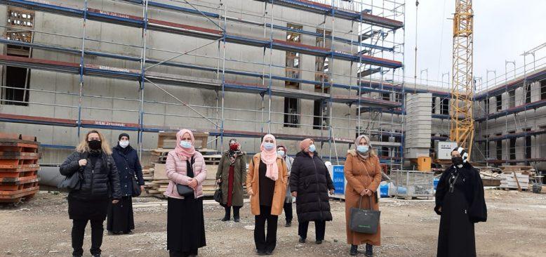 Kölnlü kadınlardan Monheim Camisine destek