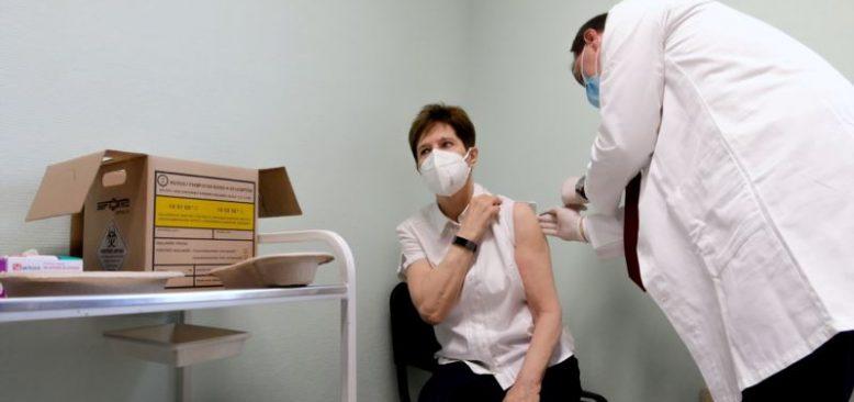 AB Ülkeleri Arasında Corona Aşısı İlk Macaristan'da Yapıldı