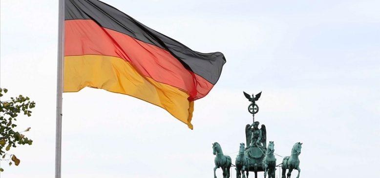 Almanya'dan Macaristan ve Polonya'ya bütçe çağrısı