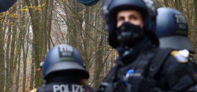 Almanya'da 475 Aşırı Sağcı Kayıplara Karıştı