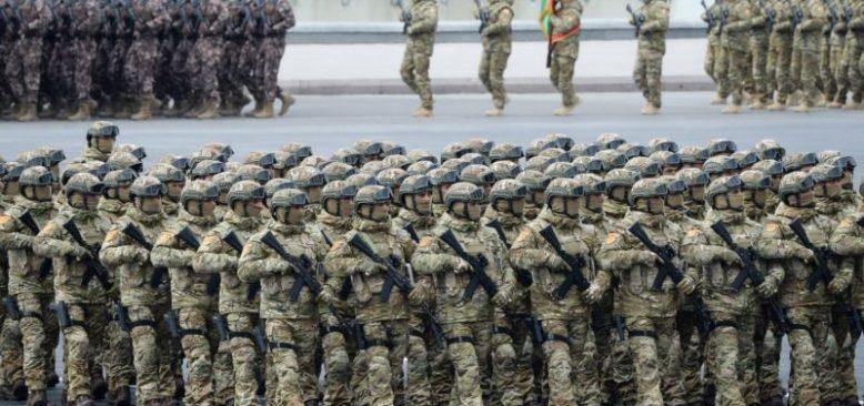 Azerbaycan'da Dağlık Karabağ Zaferi Askeri Geçitle Kutlandı