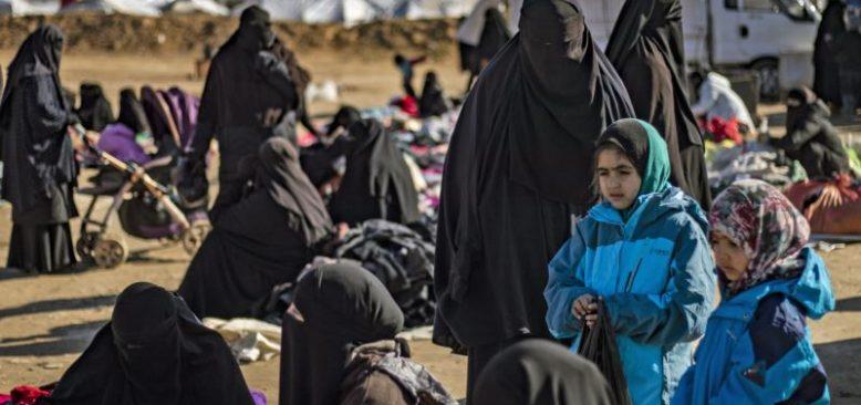 Bazı IŞİD Üyelerinin Aileleri Almanya'ya Getirildi