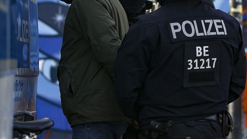 Irkçı saldırgana ömür boyu hapis cezası verildi