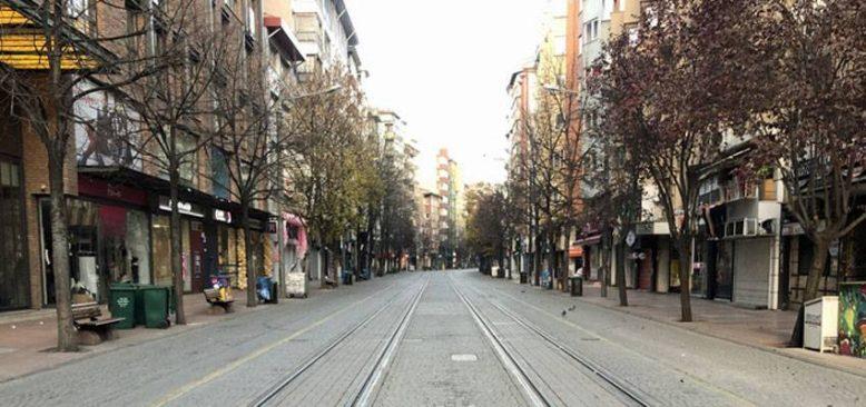Cadde ve sokaklar boş kaldı