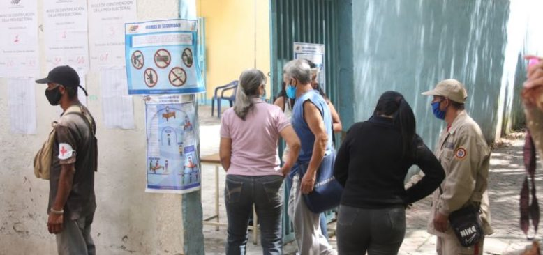 Venezuela'da Çoğunluk Sandık Başına Gitmedi