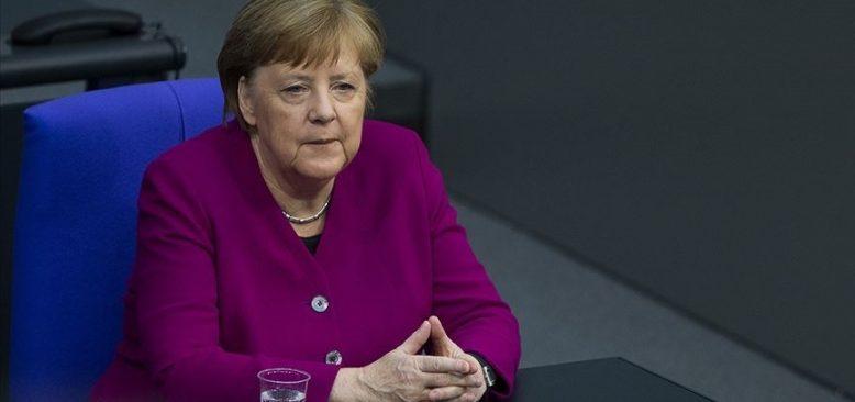 Merkel, Kovid-19'la mücadelenin yüzyılın görevi olduğunu söyledi