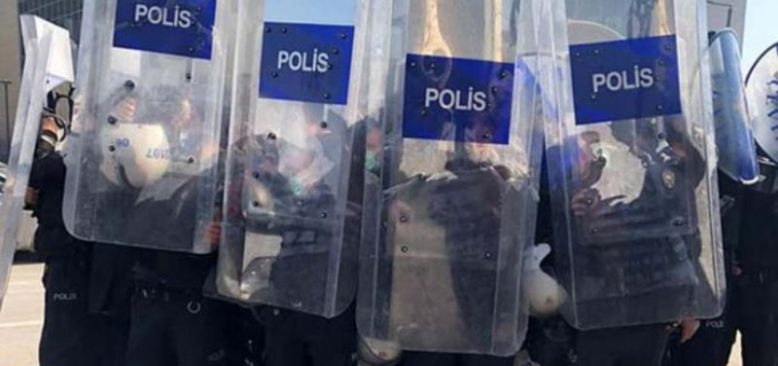 Ankara'da Sağlık Çalışanlarına Polis Müdahalesi