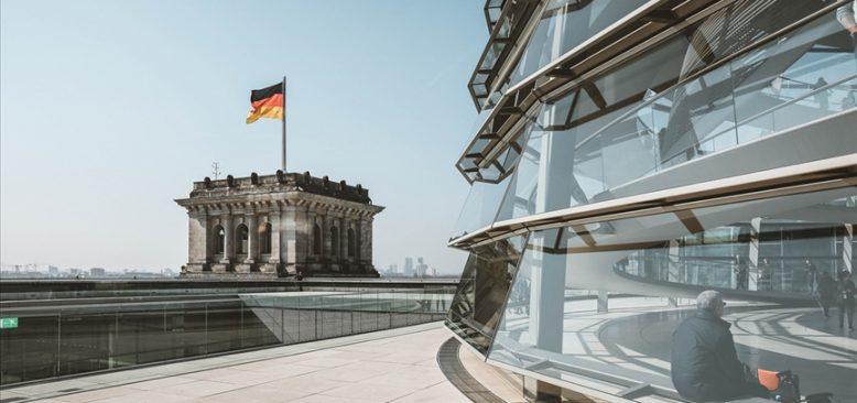 Süddeutsche Zeitung, FETÖ'nün 'karanlık yapısı' konusunda uyardı