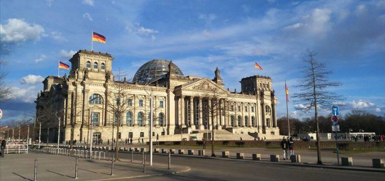 Almanya Federal Meclis binası çevresinde güvenlik artırılacak