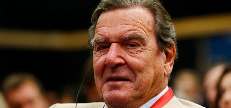 Schröder'den Avrupa'ya Türkiye'yle daha yakın iş birliği çağrısı