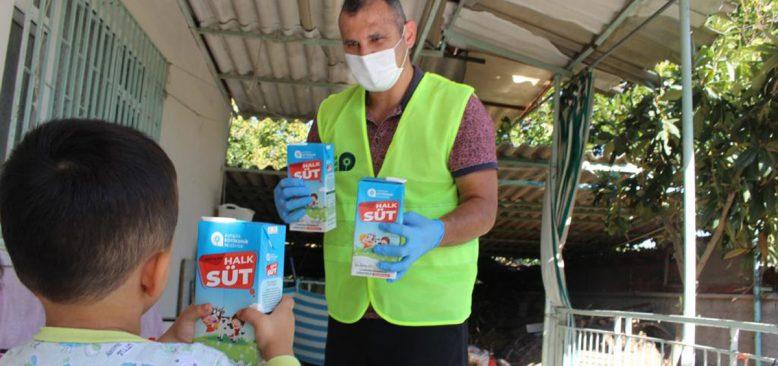 Antalya Büyükşehir Belediyesi çocuklara 224 bin litre süt dağıttı