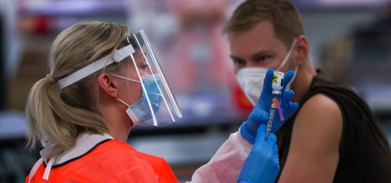 New York'un iki bölgesinde Kovid-19 aşısı için mega aşı merkezi kuruldu