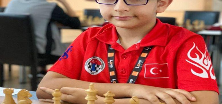 Türk satrancın yeni yıldızı Hasan Hüseyin Çelik FM unvanını kazandı