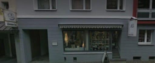 Almanya'nın Dortmund kentinde polis Türk'e ait kuaför salonunu bastı