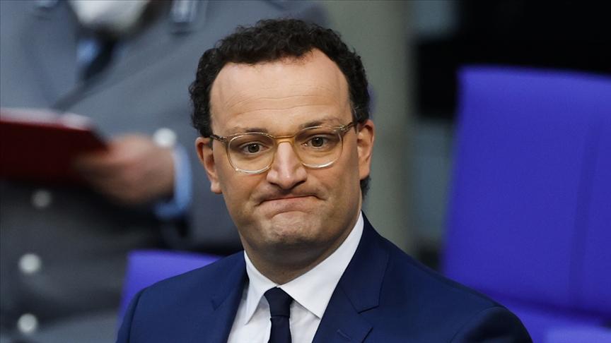 Sağlık Bakanı Spahn'ın basın özgürlüğüne müdahale girişimi tepki çekti