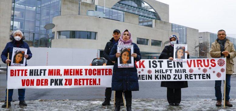 Kızı PKK tarafından kaçırılan anne eylemini sürdürüyor