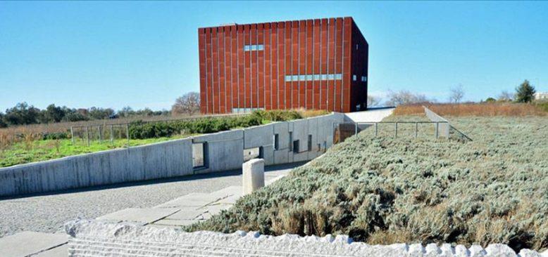 Troya Müzesinin perdeleri 'restorasyon ve konservasyon' çalışmaları için ziyaretçilere açılıyor
