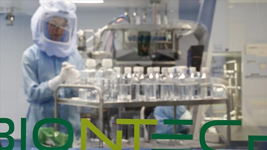 BioNTech'in aşı üretim tesisinin kapıları gazetecilere açıldı