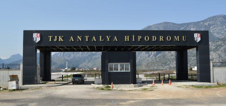 Antalya hipodromunun TJK'ya devir çalışmaları başladı
